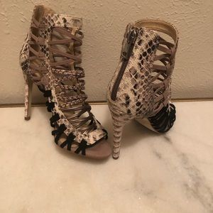 Shoes - Sexy and Fabulous Steve Madden Heel